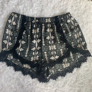 Show Me Your Mumu Shorts